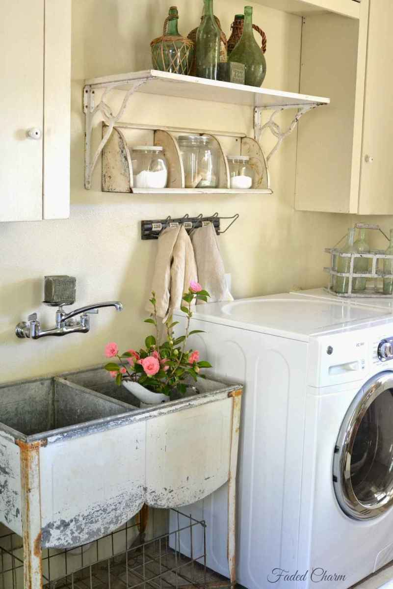 50 amazing vintage laundry rooms that will make you want to clean (19)