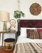50 simply amazing vintage bedroom inspired ideas (28)