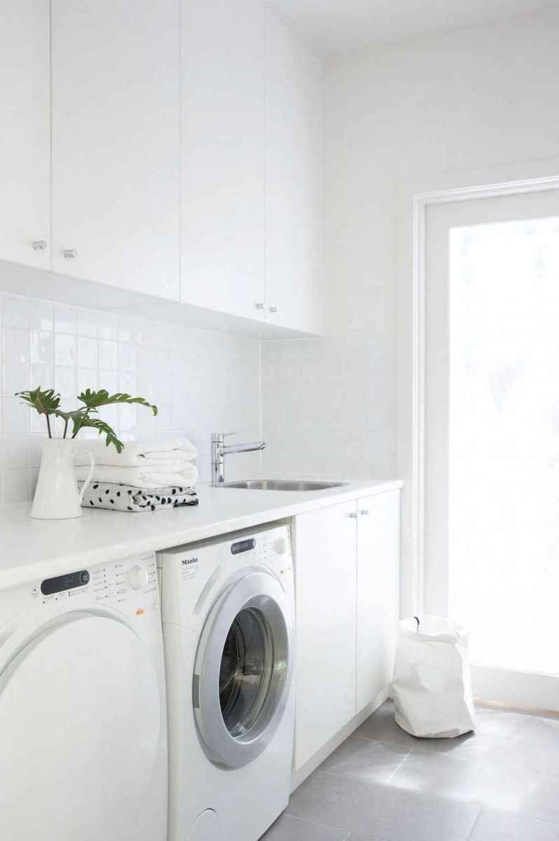 Beautiful and simple laundry room ideas (54)