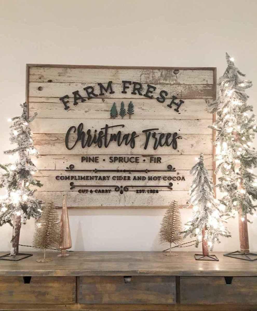 40 apartment decorating christmas lights (1)