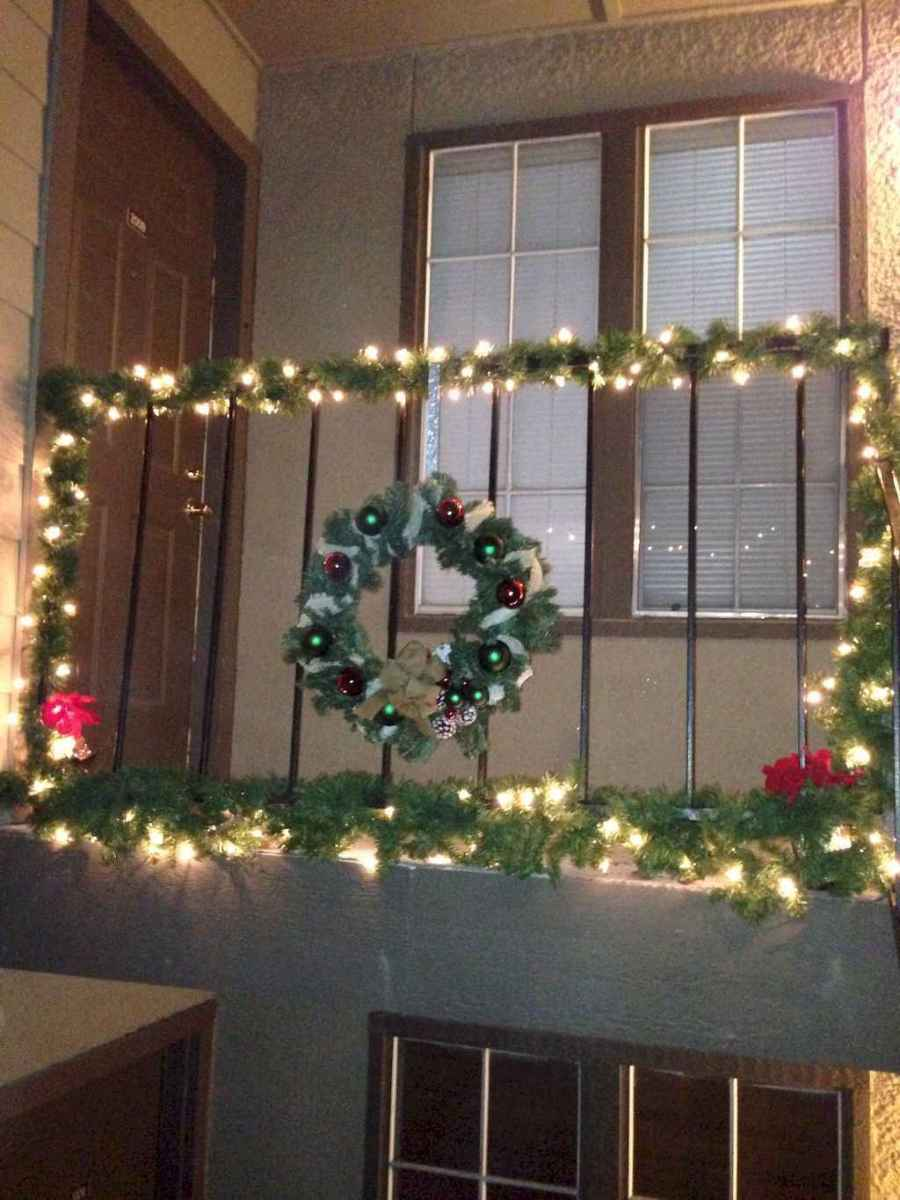 40 apartment decorating christmas lights (14)