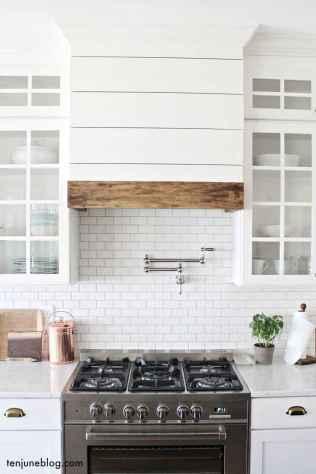 50 farmhouse kitchen decor ideas (70)