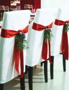 60 apartment decorating christmas ideas (18)