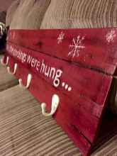 60 apartment decorating christmas ideas (29)