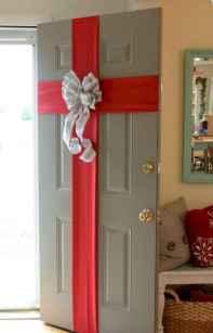 60 apartment decorating christmas ideas (46)