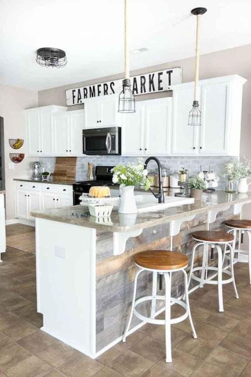 70 Tile Floor Farmhouse Kitchen Decor Ideas (27)