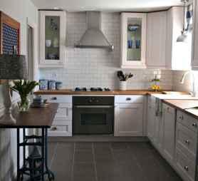 70 Tile Floor Farmhouse Kitchen Decor Ideas (64)