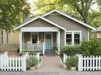 90 Modern American Farmhouse Exterior Landscaping Design (10)