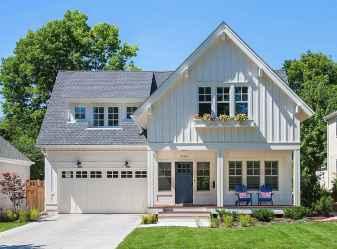 90 Modern American Farmhouse Exterior Landscaping Design (48)