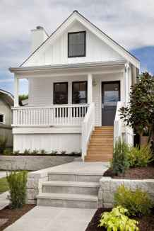 90 Modern American Farmhouse Exterior Landscaping Design (6)