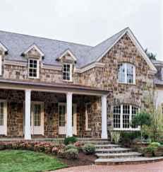 90 Modern American Farmhouse Exterior Landscaping Design (77)