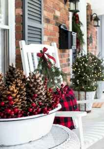 25 Incredibly Christmas Decorations Porch For First Apartment Ideas (7)