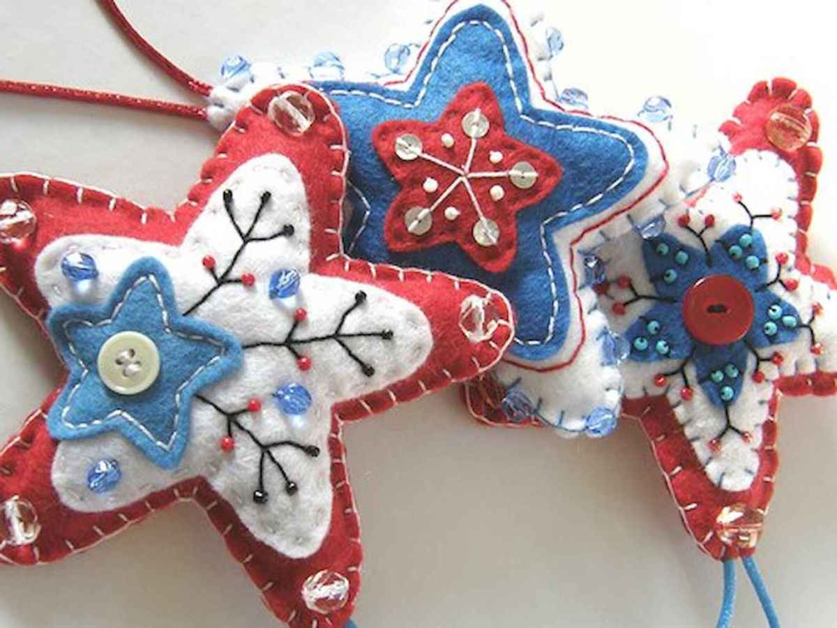 30 Simple Ornaments Christmas Tree Decorations On A Budget (13)