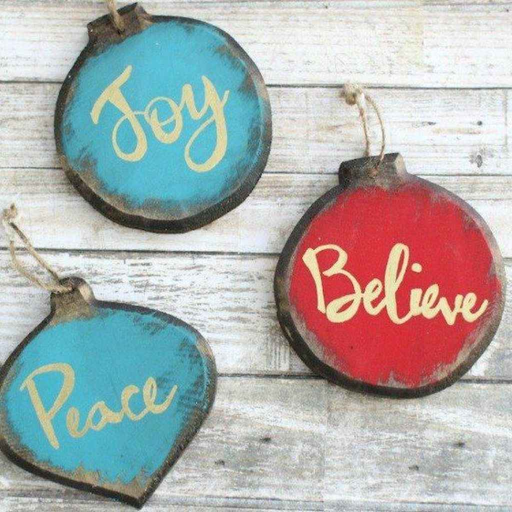 30 Simple Ornaments Christmas Tree Decorations On A Budget (8)