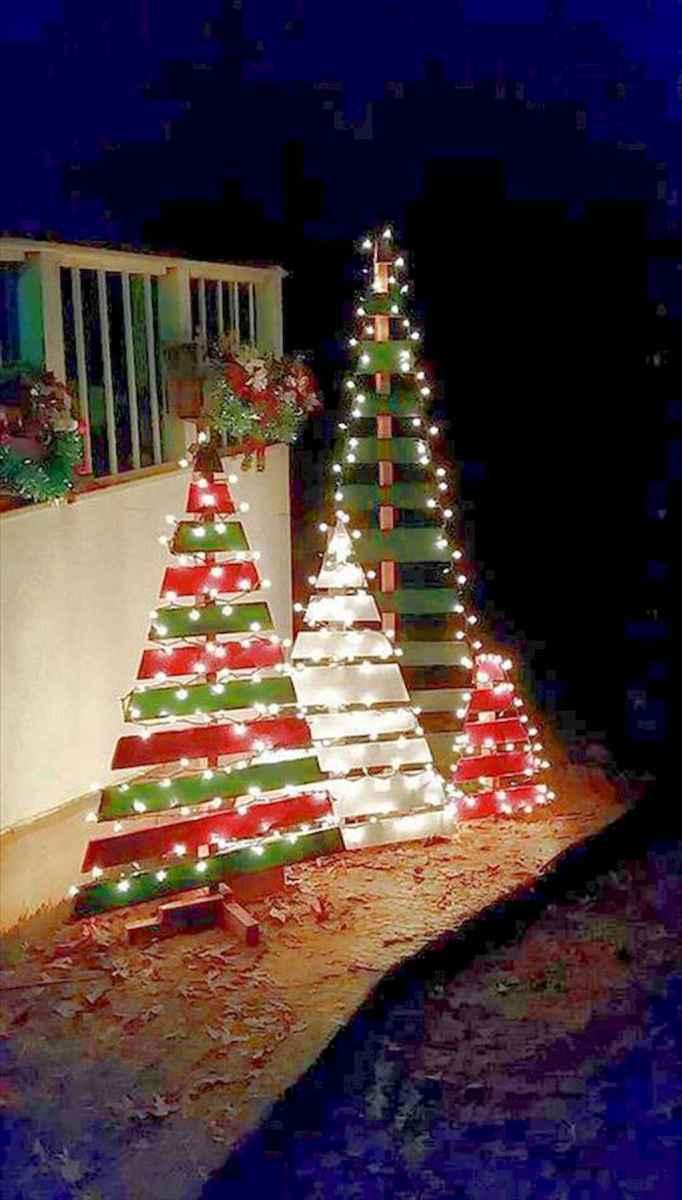 35 Beautiful Christmas Decorations Outdoor Lights Ideas (17)