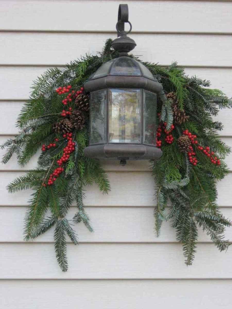 35 Beautiful Christmas Decorations Outdoor Lights Ideas (32)