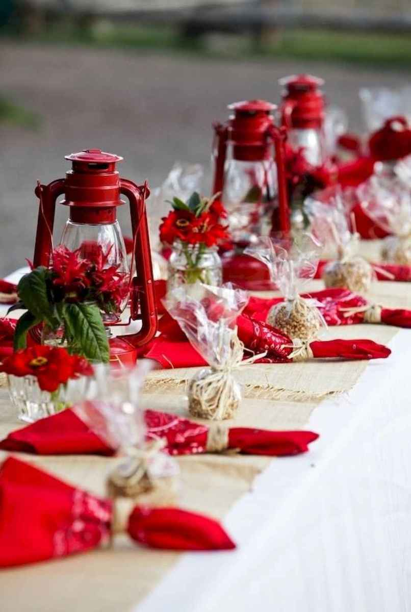 40 Awesome Christmas Dinner Table Decorations Ideas (11)