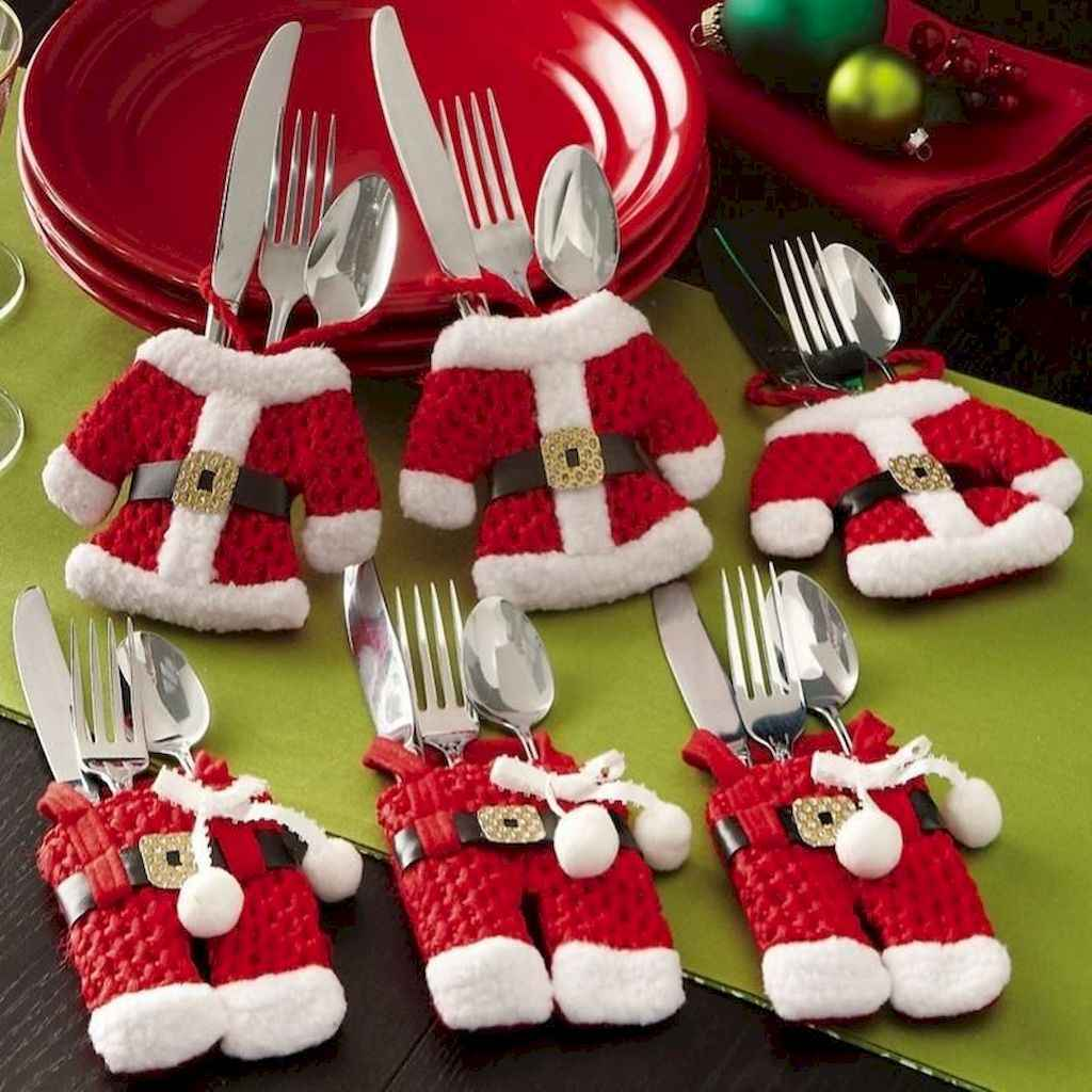 40 Awesome Christmas Dinner Table Decorations Ideas (19)