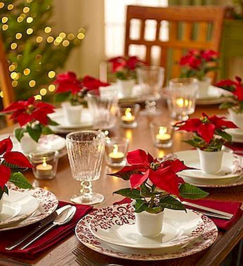 40 Awesome Christmas Dinner Table Decorations Ideas (29)
