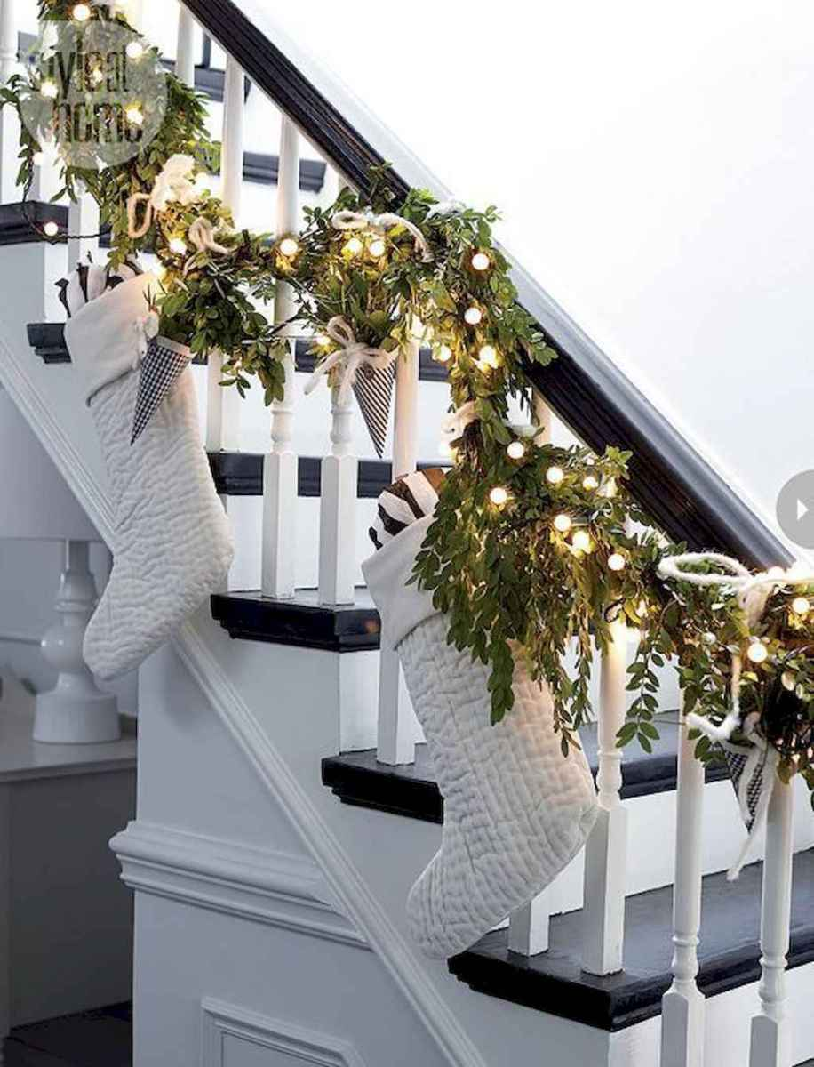 40 First Apartment Ideas Christmas Decorations Shabby Chic (13)