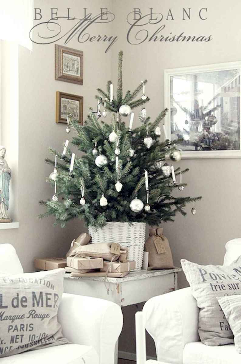 40 First Apartment Ideas Christmas Decorations Shabby Chic (22)
