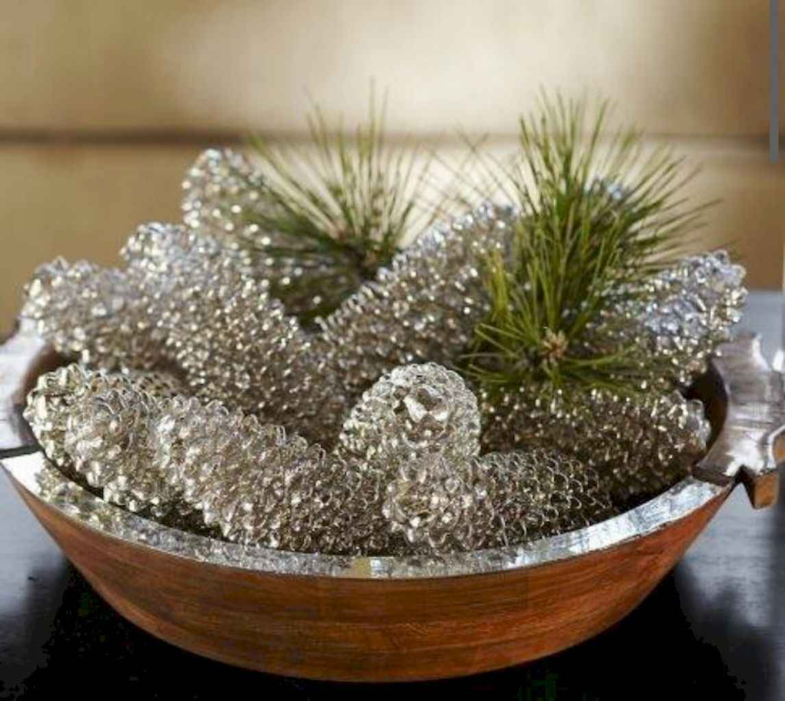 45 Best Christmas Decorations Outdoor Pine Cones Ideas (12)