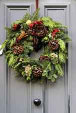 45 Best Christmas Decorations Outdoor Pine Cones Ideas (25)