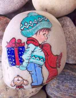 50 DIY Christmas Rock Painting Ideas (19)