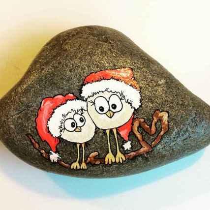 50 DIY Christmas Rock Painting Ideas (33)