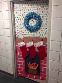 50 Simple DIY Christmas Door Decorations For Home And School (18)