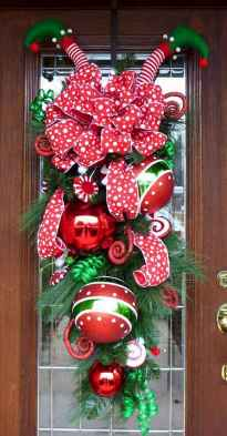 50 Simple DIY Christmas Door Decorations For Home And School (5)