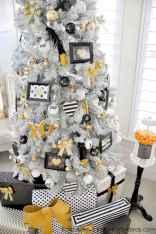50 Stunning Modern Christmas Tree Decorations (1)