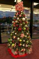 50 Stunning Modern Christmas Tree Decorations (15)