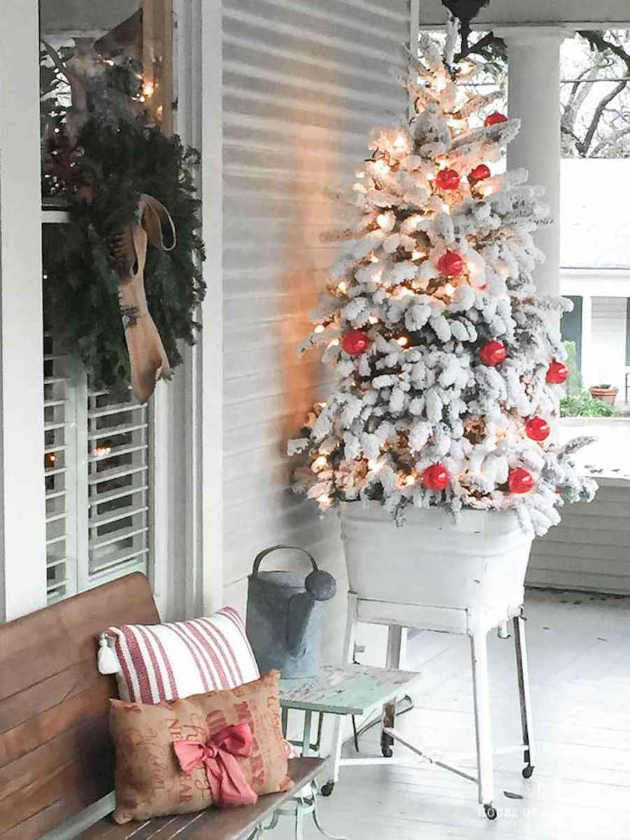55 Front Porches Farmhouse Christmas Tree Decorations (22)