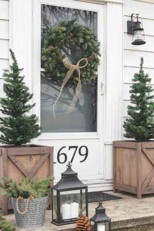 55 Front Porches Farmhouse Christmas Tree Decorations (32)