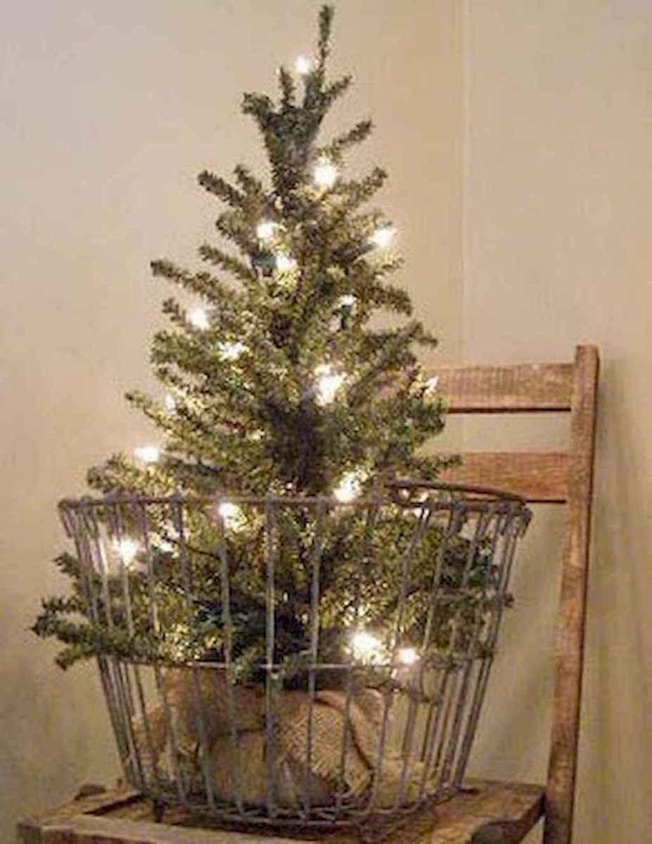 55 Front Porches Farmhouse Christmas Tree Decorations (48)
