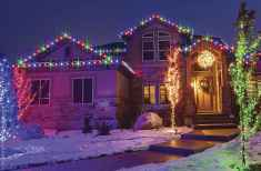 70 Awesome Farmhouse Style Exterior Christmas Lights Decorations (20)