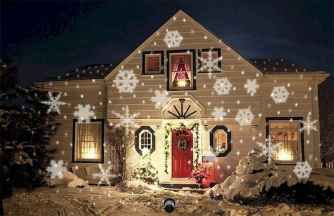 70 Awesome Farmhouse Style Exterior Christmas Lights Decorations (69)