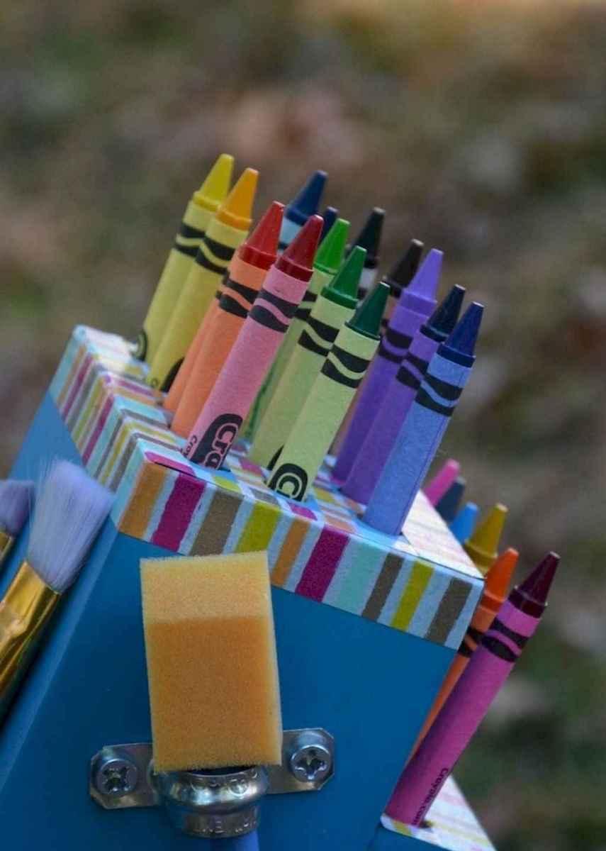 10 DIY Knife Block Crayon Holder Crafts Ideas (4)
