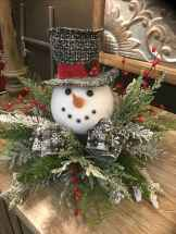 16 Christmas Decorations Ideas For First Apartment (8)