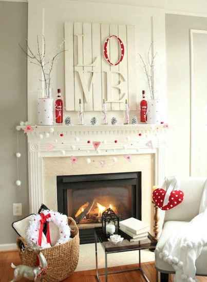 30 Cheap And Easy Valentines Apartment Decorations On A Budget (29)