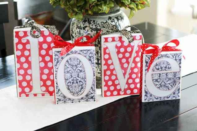 30 Cheap And Easy Valentines Apartment Decorations On A Budget (30)