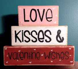30 Cheap And Easy Valentines Apartment Decorations On A Budget (8)
