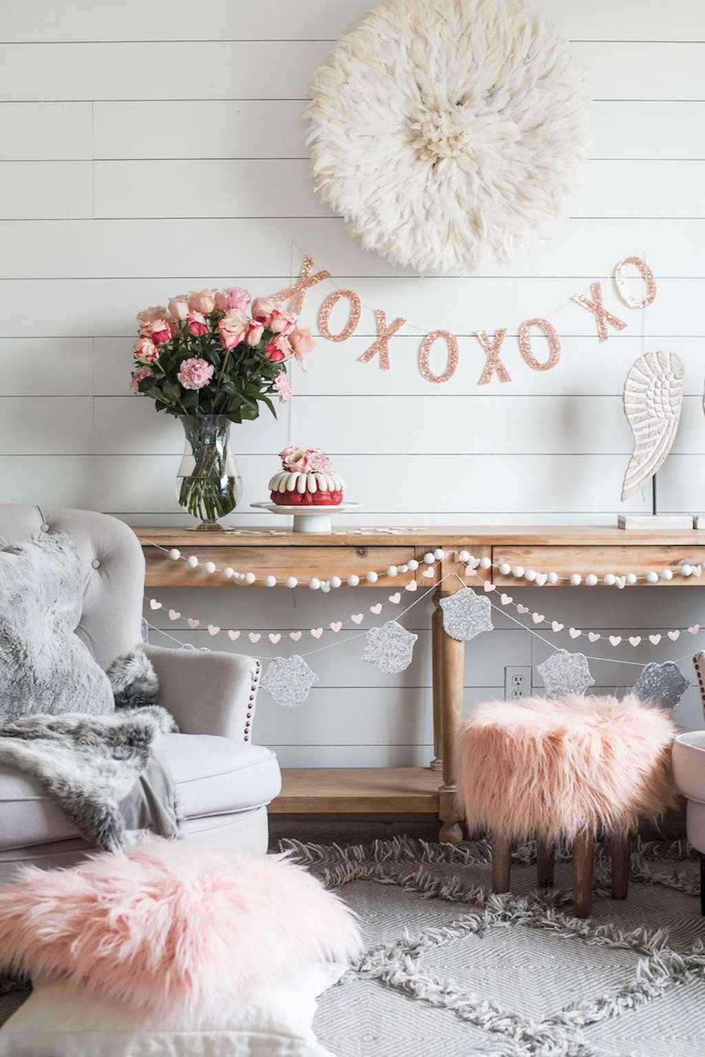 44 Romantic Valentines Party Decor Ideas (15)
