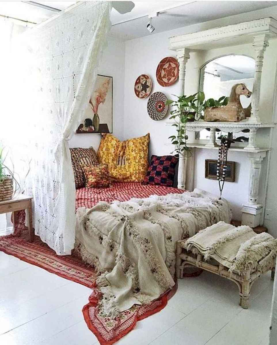 50 Incredible Apartment Bedroom Decor Ideas With Boho Style (49)