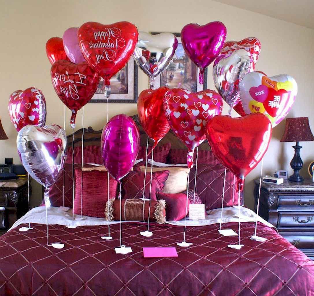 50 Romantic Valentine Bedroom Decor Ideas (1)