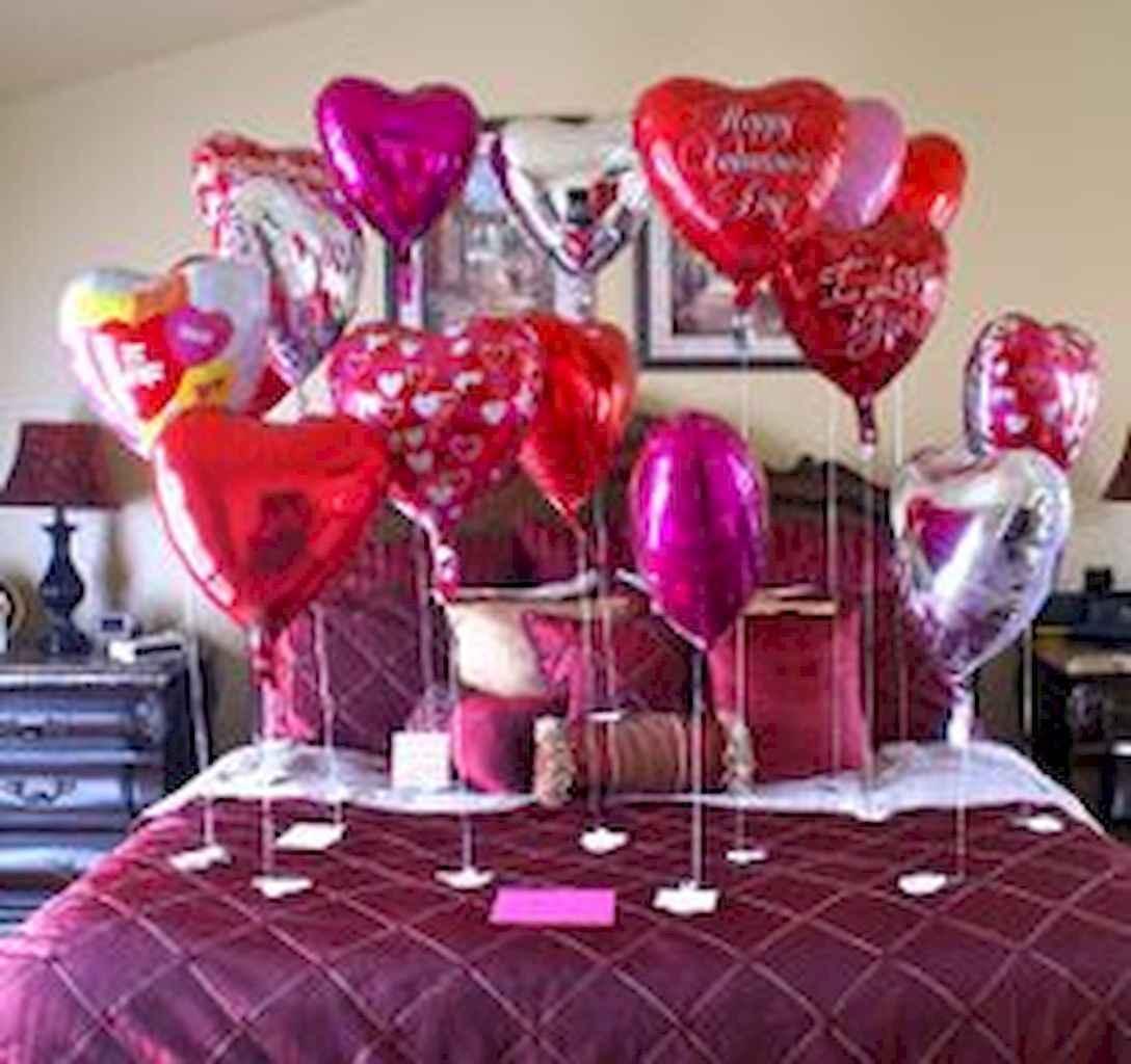 50 Romantic Valentine Bedroom Decor Ideas (11)
