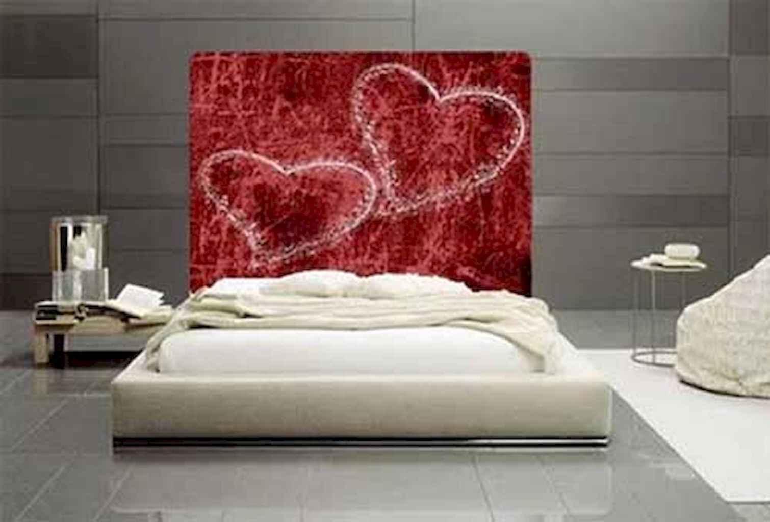 50 Romantic Valentine Bedroom Decor Ideas (37)
