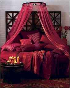 50 Romantic Valentine Bedroom Decor Ideas (8)