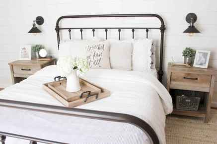 50 Stunning Vintage Apartment Bedroom Decor Ideas - Livingmarch.Com